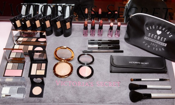 fashion-show-media-kit-2013-vs-makeup-backstage-victorias-secret
